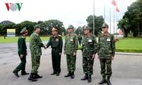 陈大光与国防部领导人举行工作座谈