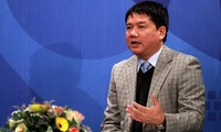 """Verkehrsminister diskutiert im Radio mit den Zuhörern der """"Stimme Vietnams"""""""