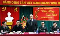 Vize-Premierminister Nguyen Xuan Phuc besucht das Bürger-Parteibüro