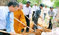 Spitzenpolitiker treffen Senatspräsident Myanmars