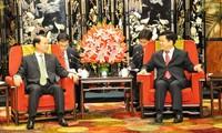 Vizepremierminister Vu Van Ninh trifft Gouverneur der Provinz Yunnan