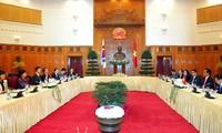 Südkoreas Präsidentin Park Geun-Hye in Vietnam empfangen