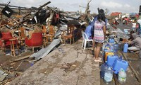 Supertaifun Haiyan verursacht große Schäden auf den Philippinen