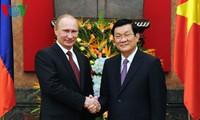 Putin und Truong Tan Sang führen Gespräch in Hanoi