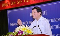 Staatspräsident Truong Tan Sang trifft Wähler in Ho Chi Minh Stadt