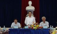 Vizepremierminister Vu Van Ninh leitet die Konferenz zur Umsetzung vom Beschluss über Meeresprodukte