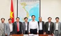 Premierminister Nguyen Tan Dung trifft Provinzleitung von Quang Tri