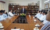 Verteidigungsminister Phung Quang Thanh besucht vietnamesische Botschaft in Indien