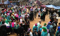Lebhafter Markttag in der Bergprovinz Ha Giang