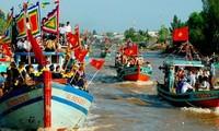 Nachbildung von sieben traditionellen Festen der Volksgruppen