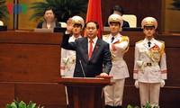 Spitzenpolitiker beglückwünscht Staatspräsident Tran Dai Quang