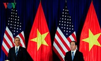 Staatspräsident Tran Dai Quang führt Gespräch mit US-Präsident Obama