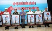 Fotoausstellung über Meer und Inseln im Kalkplateau Dong Van