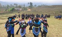 Eigenschaften der Kleidung der Volksgruppe Ha Nhi