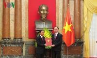 Staatspräsident Tran Dai Quang ernennt neue Botschafter