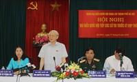 KPV-Generalsekretär Nguyen Phu Trong trifft Wähler im Stadtviertel Tay Ho in Hanoi