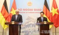 Vietnam und Deutschland unterstützen sich gegenseitig auf multilateralen Foren