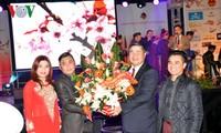 Vietnamesen in Deutschland begrüßen das neue Jahr des Hahnes