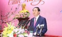 Staatspräsident Tran Dai Quang beglückwünscht Beamte und Arbeiter in Quang Ninh zum Tetfest