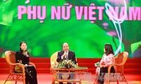 Premier Nguyen Xuan Phuc nennt sieben Maßnahmen für Geschlechtergleichberechtigung in Vietnam