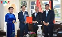 Premierminister Nguyen Xuan Phuc beginnt seinen Deutschlandbesuch beim G20-Gipfel