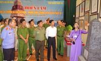 """Ausstellung """"Hoang Sa, Truong Sa von Vietnam – historische und rechtliche Beweise"""" in Ha Nam"""