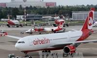EU genehmigt den Kauf einen Teils Air Berlins durch Easyjet