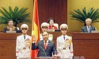 中国和老挝政府首脑电贺阮春福总理
