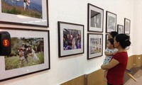 越南举行多项纪念家庭日活动