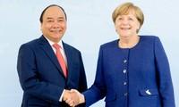 Entretien Nguyen Xuan Phuc-Angela Merkel