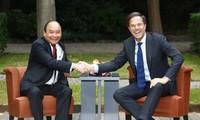 Entrevue entre Nguyên Xuân Phuc et Mark Rutte