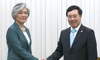 Pham Binh Minh rencontre les ministres japonais et sud-coréenne des Affaires étrangères