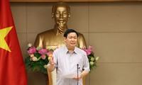 Vuong Dinh Hue réclame la liste des entreprises publiques devant ouvrir leur capital
