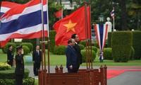La visite en Thaïlande du Premier ministre vietnamien couverte par la presse thaïlandaise