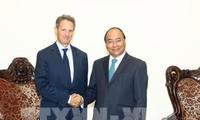 Le président de Warburg Pincus reçu par Nguyen Xuan Phuc