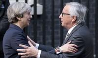 """Juncker et May veulent """"accélérer les efforts"""" pour un accord sur le Brexit"""