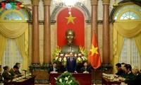 Tran Dai Quang rend hommage aux Laotiens ayant des mérites envers le Vietnam