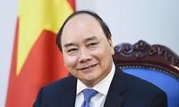 Le Premier ministre Nguyên Xuân Phuc est rentré à Hanoï