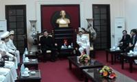 Staatspräsident Truong Tan Sang beglückwünscht die Polizei in Hanoi