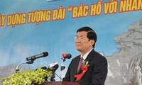 Staatspräsident beim Baubeginn des Ho Chi Minh - Denkmals in Tuyen Quang
