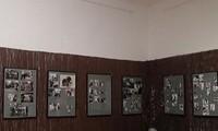 """Ausstellung """"100 Jahre vietnamesische Hochzeitsfotos"""" in Berlin"""