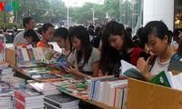 """Buchfest """"Hanoi – die Stadt für den Frieden"""""""
