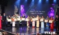 Provinzen feiern den Tag der vietnamesischen Lehrer