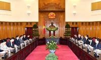 Premierminister Nguyen Tan Dung trifft Gouverneur Yunnans Chen Hao