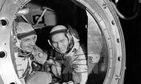 Treffen mit Astronauten Pham Tuan und Wiktor Wassiljewitsch Gorbatko