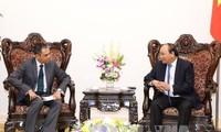 Premierminister Nguyen Xuan Phuc trifft Botschafter Malaysias und Thailands