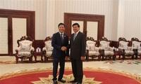 Der laotische Premierminister ermutigt Unternehmen Vietnams zur Investition in Laos