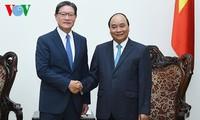 Nguyen Xuan Phuc trifft den Vorstandschef des südkoreanischen Konzerns GS