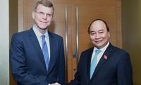 Premierminister Nguyen Xuan Phuc empfängt den ADB-Vize-Präsidenten