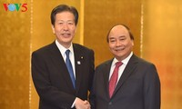 Nguyen Xuan Phuc trifft Vorsitzende einiger japanischer Parteien und Unternehmen